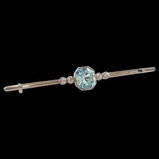 15kt / Platinum Aquamarine and Diamond Bar Brooch
