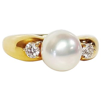 Mikimoto AAA Cultured Pearl and Diamond 18kt Ring