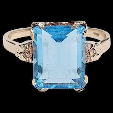 10kt Blue Glass Ring