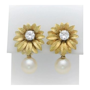 Vintage 18k Gold 1.10ct Diamond and 9mm AA Pearl Clip On Dangle Earrings