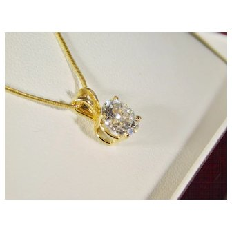 Ladies 14 karat ellow Gold 1.05ct Diamond Solitaire Necklace Pendant.