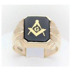 Vintage 10 Karat Gents Gold Onyx Masonic Ring