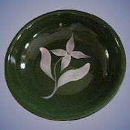 Watt Pottery Green with White Star Flower Spaghetti Bowl