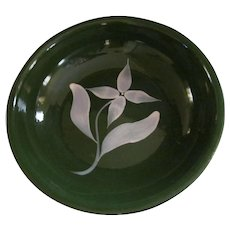 Watt Pottery Green with White Star Flower Spaghetti Bowl