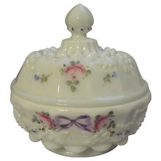 Westmoreland  Paneled Grape Bow Knot Powder Box