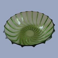 "Federal Glass Rhythm Green Swirl 9.5"" Bowl"