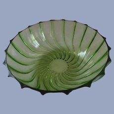 """Federal Glass Rhythm Green Swirl 9.5"""" Bowl"""