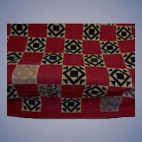 Vintage Hand Stitched Star and Block Cotton Quilt 68 X 84