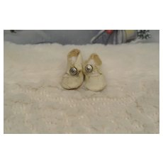 Vintage White Ginny Center Snap Shoes