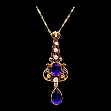 Art Nouveau Amethyst Pearl 18 Karat Gold Pendant