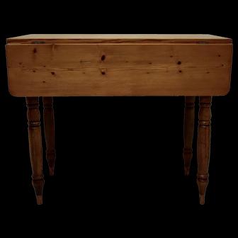 Pine Turned Leg Dropleaf table