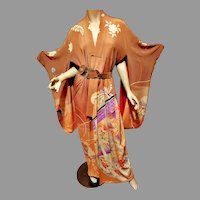Vtg Japanese silk embroidered and painted kimono circa 1940's