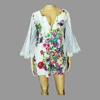 Vtg sheer lace Floral blouse/tunic  button front bat sleeve
