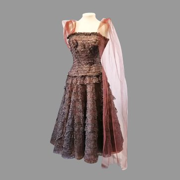 Vtg 1950's Brown lace Debutante Gown layered strapless Tulle Shawl