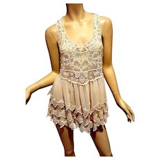 Vtg French Crochet Lace layered Tunic Top in cream on tulle no sleeves