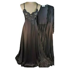 Vtg Stunning Lingerie set Gown and Robe Black w/Lace Ensemble