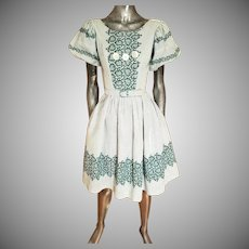 Vtg 1940's grid & floral sweep cotton dress button details and belt
