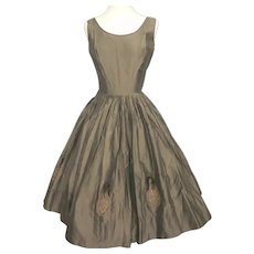 1950's Rockabilly Sharkskin fit and flare dress light brownish/grey full pinup