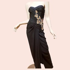 Oscar de La Renta Iconic Couture gown ruched detail bodice with gold embroidered embellishment