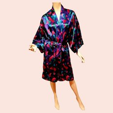 Vtg Satin Short Kimono with belt made in Hong Kong  for Cacique