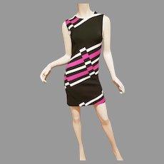 Vtg Jersey knitted mini Dress modern Design Fuschia pink and white design