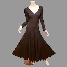 Vtg Saks Fifth Avenue silk Crepe Zipper cuffs fluid evening maxi dress yards of fabrics. early 60's