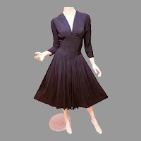 Vtg 1940's Black V Neck Rayon crepe cress Shirred full skirt pencil pleats at midriff amazing details