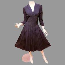 Vtg 1940's Black V Neck Rayon crepe cress Shirred full skirt pencil pleats at midriff amazing details