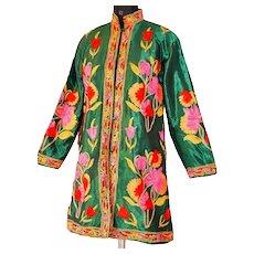 Vtg Ethnic Eastern Indian Kashmiri Handmade Floral Embroidery Raw silk Coat Dark Green