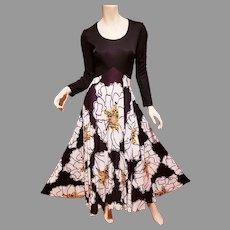 Vtg 1970 Trapeze maxi full sweep dress modern floral design
