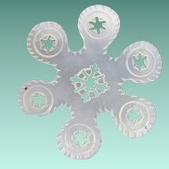 "Palais Royal Mother of Pearl Thread Winder ""SNOW FLAKE"""