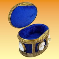 """Antique French """"CAMEOS"""" Casket Hinged Box """"Six 2"""" Carved Cameos """" A MASTERPIECE"""