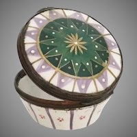 18C  English Lilac, Green and White Enamel Patch Box