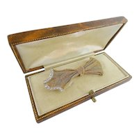 18KARAT Yellow Gold and Diamond BOW Brooch  ~  Just EXQUISITE and Wonderful Size