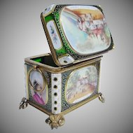 """Magnificent Antique White Cut to Green Spa Box """"A MASTERPIECE"""""""