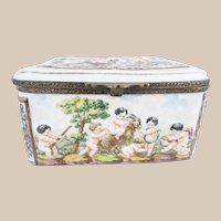 """Antique Capodimonte """"Putti, Tiger and Goat""""  Casket Hinged Box"""