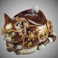"""Majolica """"Byzantine Cat,"""" Jar or Spittoon, with Mouse Designed by Portuguese Artist Raphael Bordallo Pinheiro"""