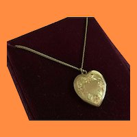 """Vintage Tricolor Gold-filled Heart Pendant w 18"""" Chain."""