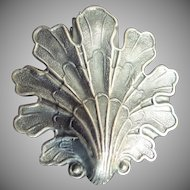 BIG LEAF  Vintage Estate  Silver plate  Chatelaine Belt Clip
