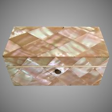19C Mother of Pearl Box w Four Mother of Pearl Fish Thread Winders ~ GREAT  MOP Engraved Fish