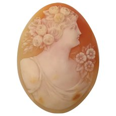 Vintage Natural Shell Loose Shell Cameo ~ Charming  for Mounting or Display on a Tiny Easel