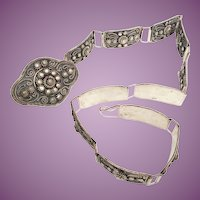"Vintage Estate White Metal Silver 28"" Belt  ~ 11    2"" x 1"" Plaques  and  1    3"" x 2"" Plaque ~ BEAUTIFUL"