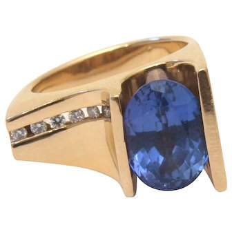 Vintage Custom-Designed Gold, Tanzanite and Diamond Melee Ring