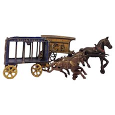"""Hubley """"Royal Circus"""" Antique Cast Iron Toy"""