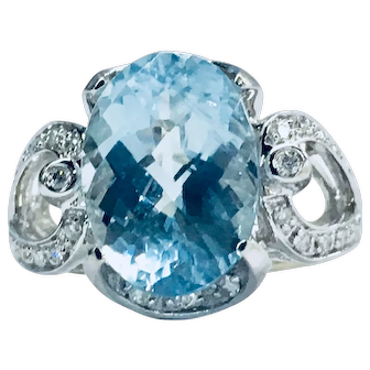 Vintage Aquamarine Engagement Ring 4.5 Carat Natural Aquamarine Ring 14k White Gold 0.12cttw Diamond accents
