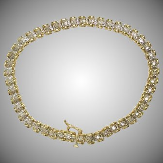 Vintage 10K Yellow Gold Diamond Ladies Tennis Bracelet