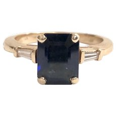 Vintage Blue Sapphire and Diamond Ring in 14K Yellow Gold.