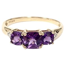 Vintage 3 Stone Amethyst Ring in 10K Yellow Gold