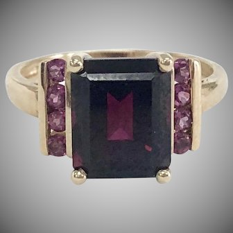 Vintage Garnet Ring with Pink Accent Stones 10K Yellow Gold