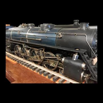 An American Live Steam Locomotive carries passengers.